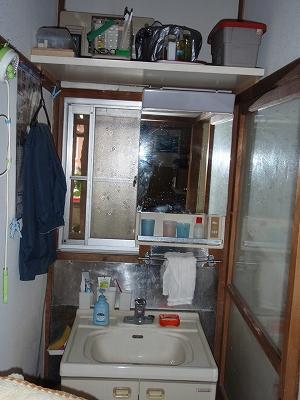 洗面台のリフォーム前