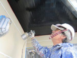 玄関天井仕上げ吹付塗装