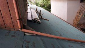 下屋根瓦部2アスファルトルーフィング敷